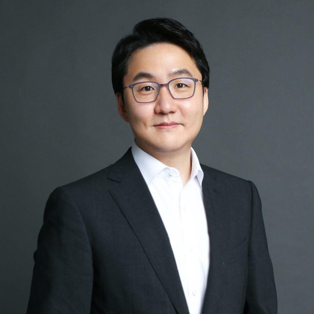 Se Woong Lee